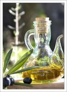 Итальянские продукты. Оливковое масло фото