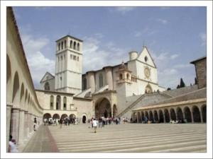 Ассизи. Базилика Сан-Франческо фото