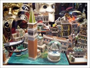Сувениры из Италии фото