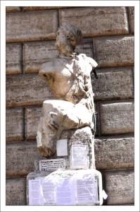 Статуи Рима. la statua di Pasquino фото