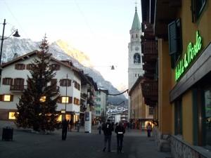 Кортина Д'Ампеццо - зимний итальянский курорт в Доломитовых Альпах